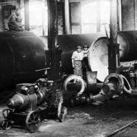 Produzione di serbatoi metallici, 1938 Da: Officine di Casaralta, s.l., s.d