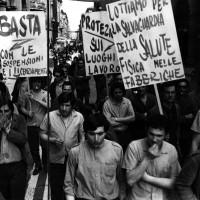 Corteo in via Indipendenza, 1971, Bologna, Da: Archivio fotografico Fiom Bologna.