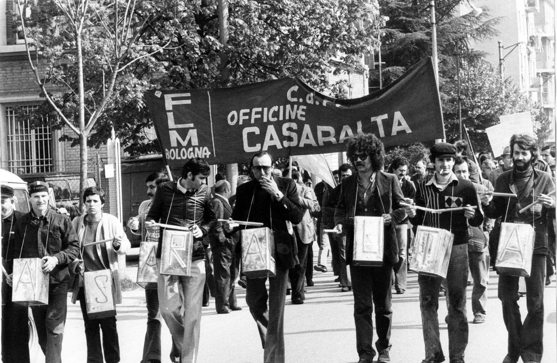 Risultati immagini per manifestazioni operaie a bologna anni 70